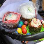 Куличи на детской коляске