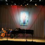 Анна Щеголева (виолончель) и Олег Мартынов (фортепиано).